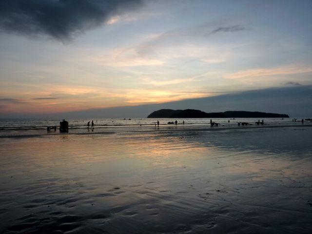 Pláž Pantai Cenang na ostrově Langkawi