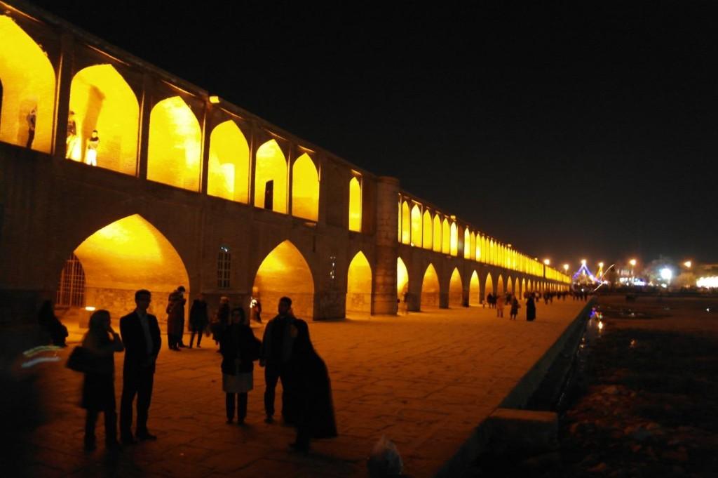 Osvětlený most