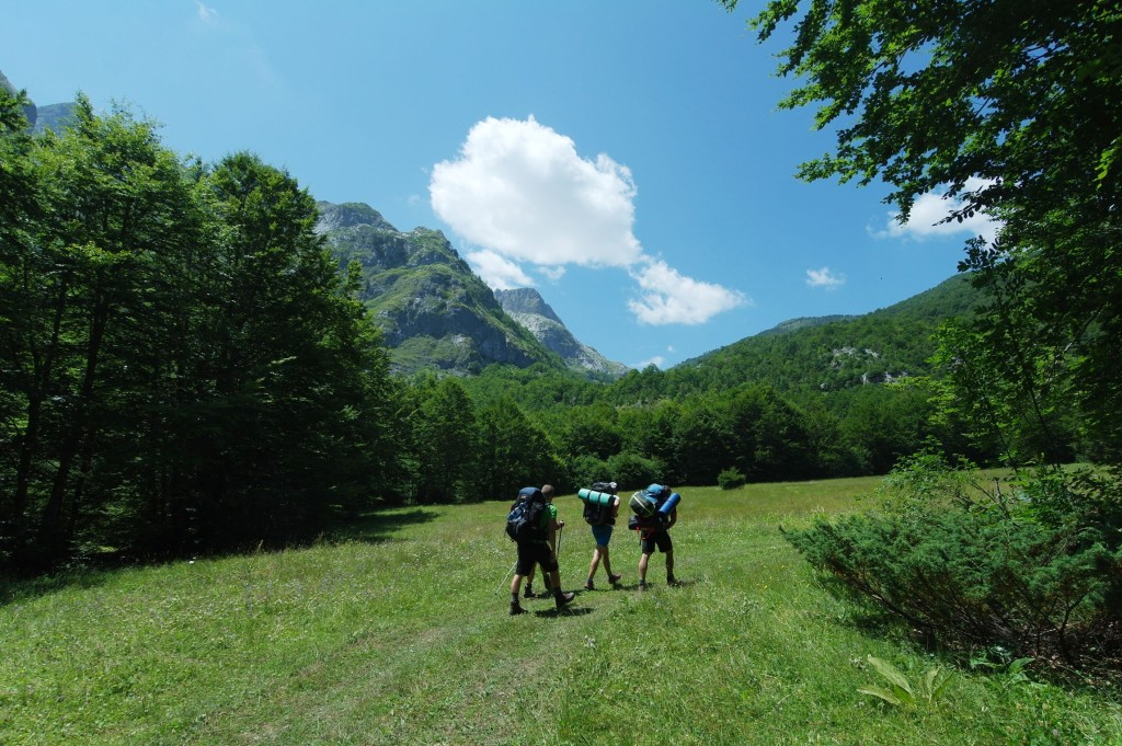 Stoupán�  k černohorské hranici