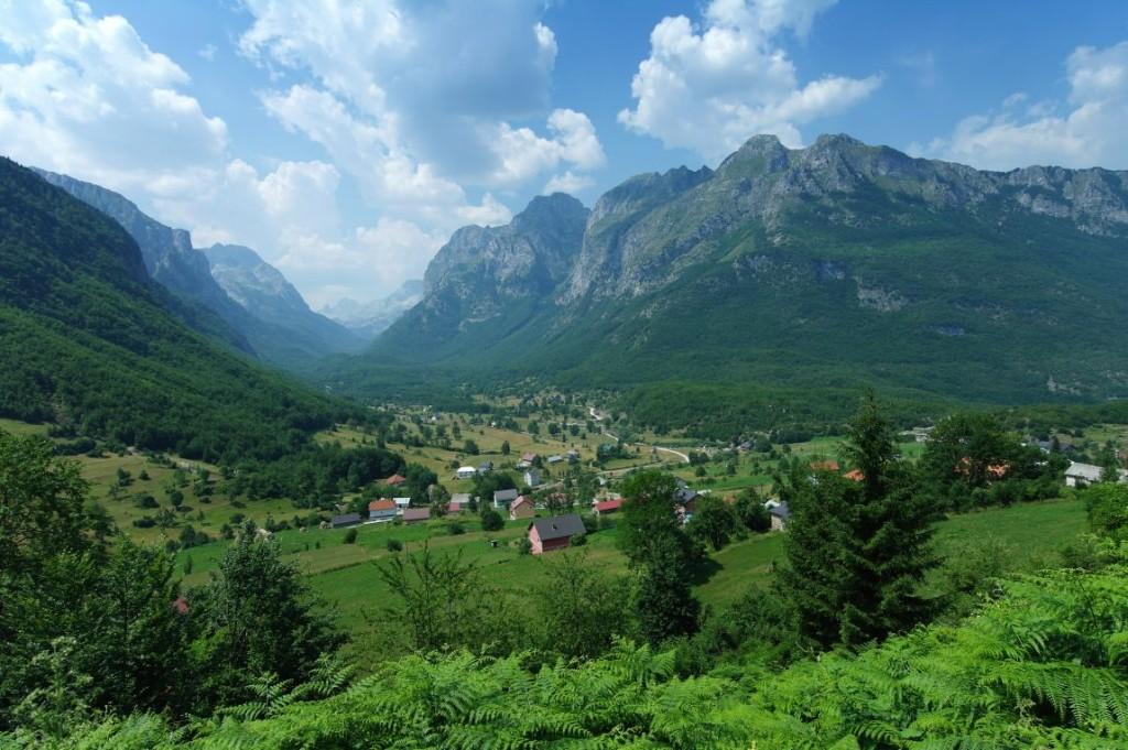 Vycház� me směr Albánie.