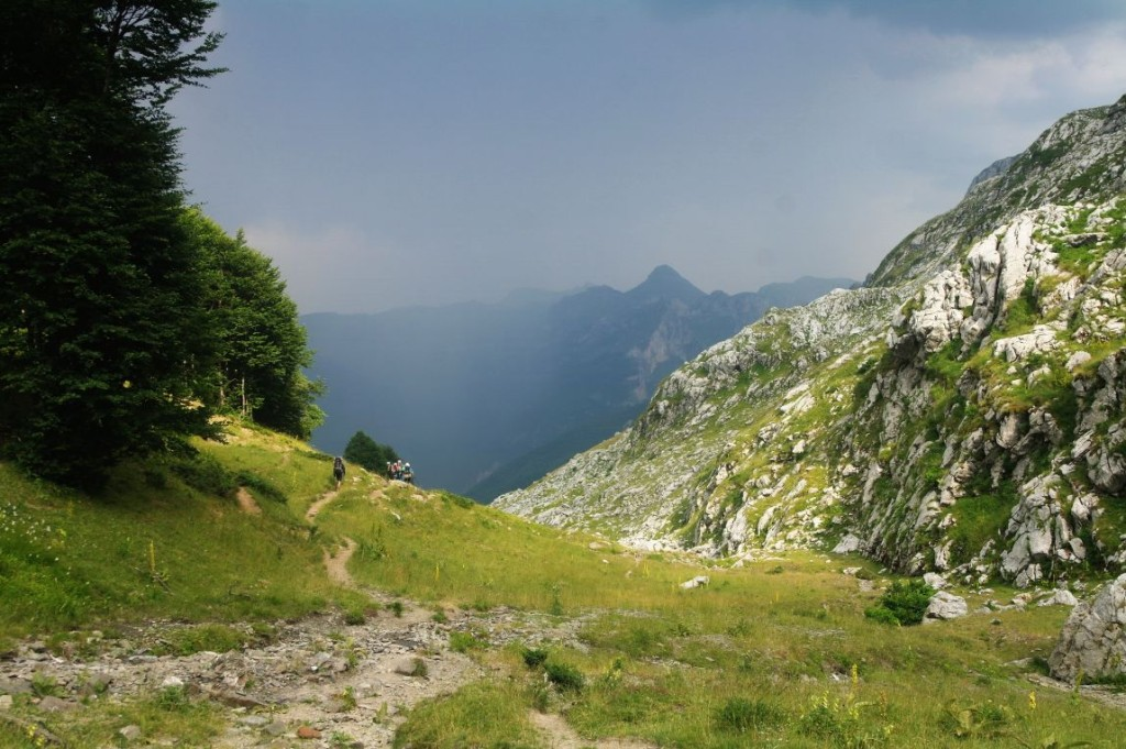 Sestup do Albánie